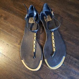 DV Doce Vita Flat Sandals